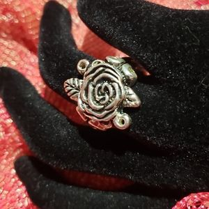 Vintage silver Rose shaped ring